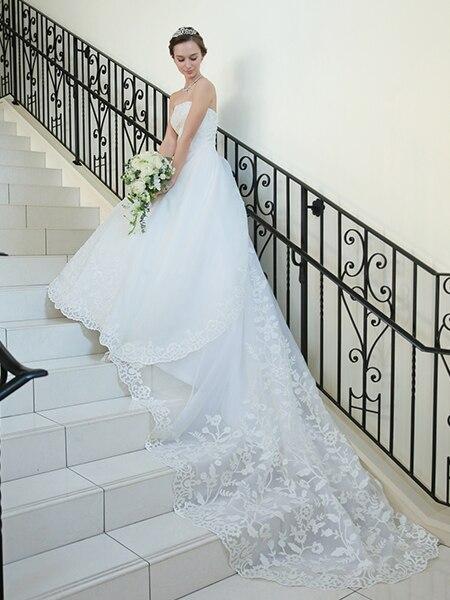 アニヴェルセルのオリジナルウエディングドレスが完成! TAKAMI BRIDALとコラボ