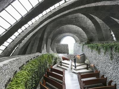 石の教会差し替え写真_trim.jpg