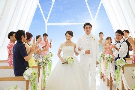 「珊瑚の教会」のプランリニューアル&豪華な来店・成約特典も!沖縄でのリゾートウエディングがかなう