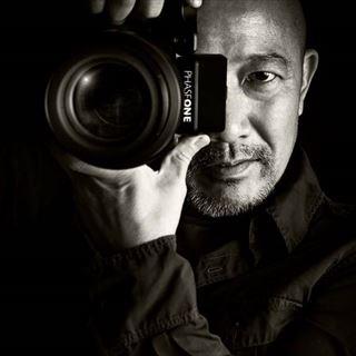 Mr_Imabayashi_monotone_R.jpg