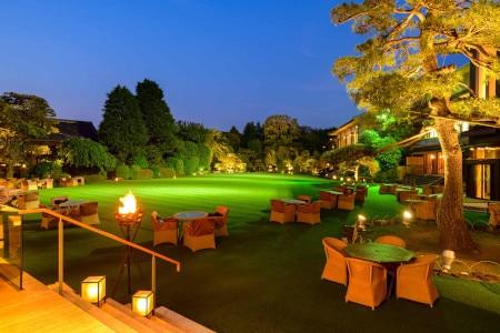 日本の美しい夏遊び。毎年人気の「明治記念館」庭園のビアテラスがオープン