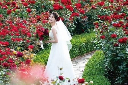 【5/30(日)限定】ホテルニューオータニが誇る3万輪の薔薇が一面に咲き誇るガーデン見学と感動の挙式体験を