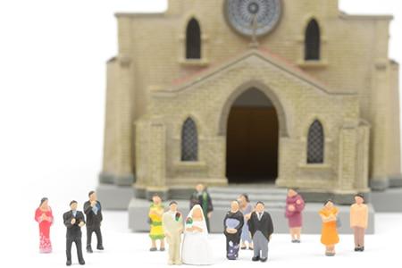 c3544439e2b0f 結婚式の親族紹介の順番と仕方、挨拶の例文集|マイナビウエディングPRESS