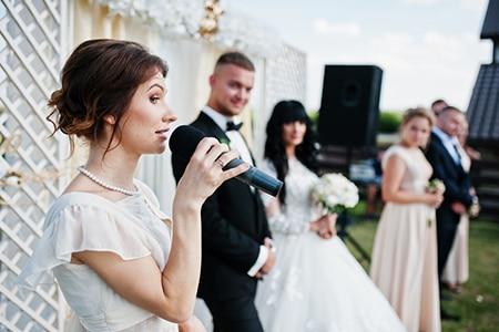 結婚式のスピーチ 乾杯の挨拶で失敗しない 友人 親族 向け例文集