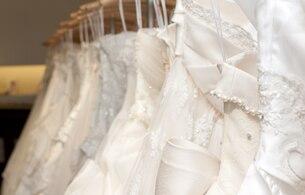 ドレス、買うべき? レンタルすべき?