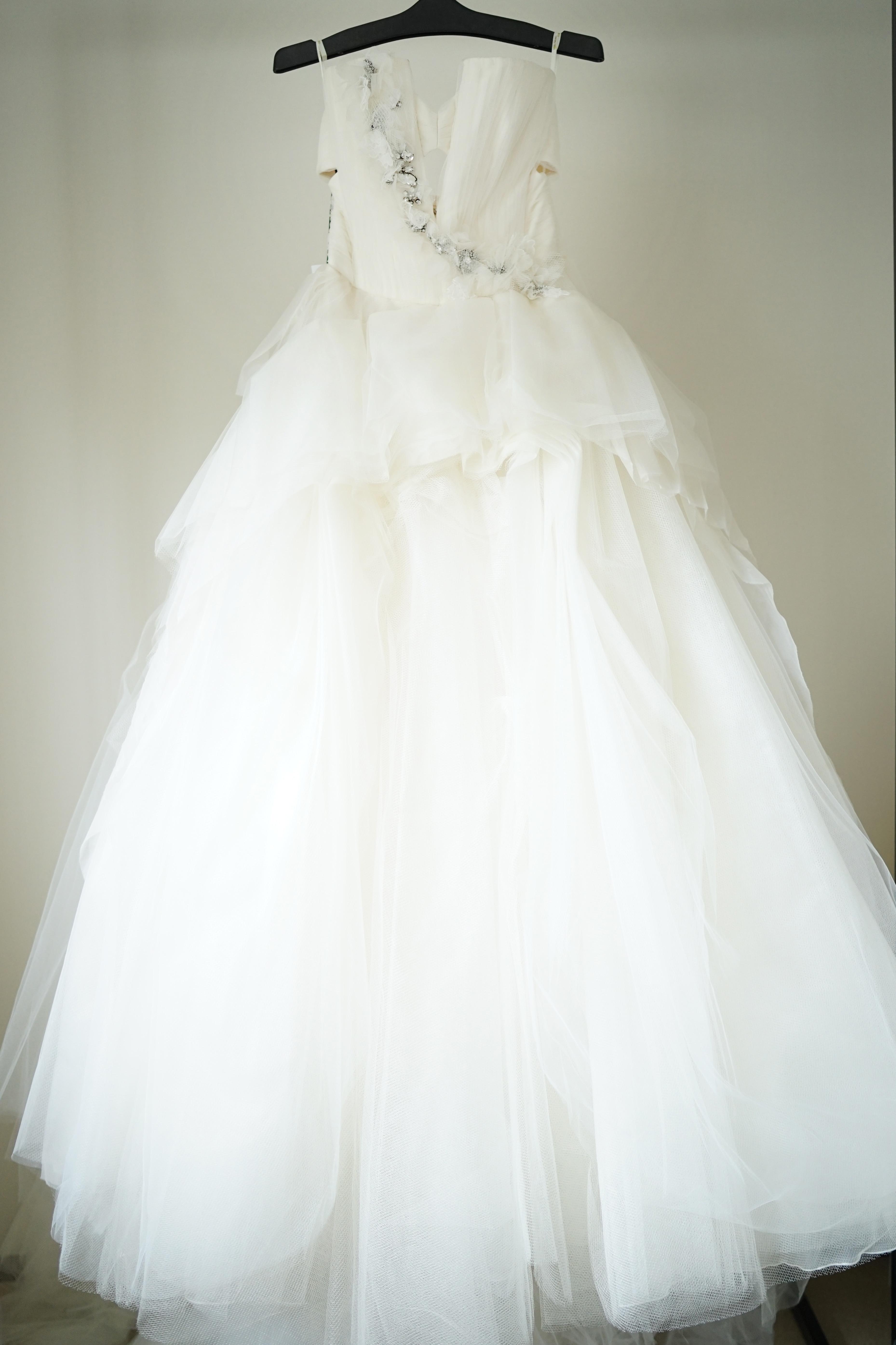 VERA WANG(ヴェラ・ウォン)(Karen)