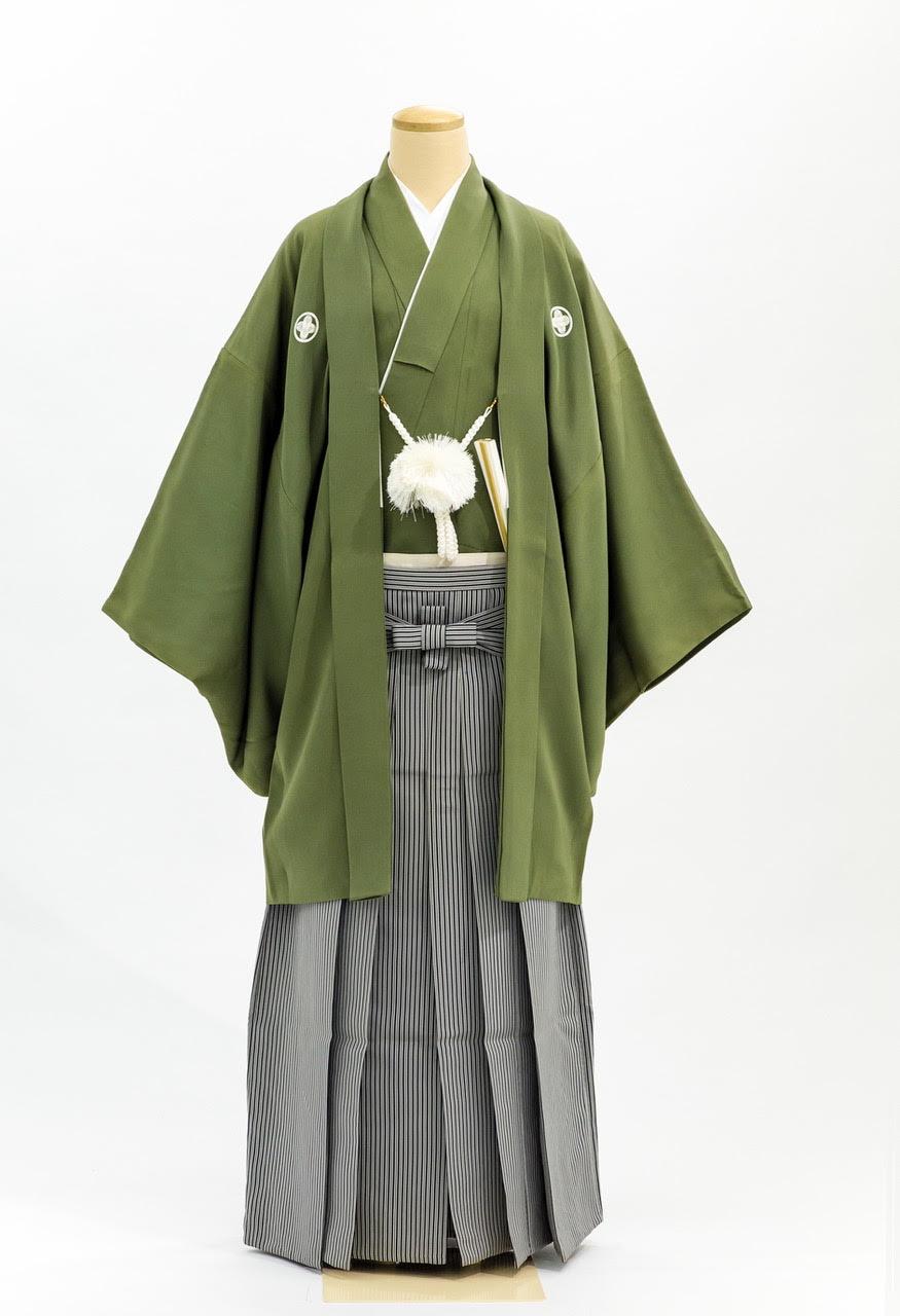 色紋付き羽織袴緑