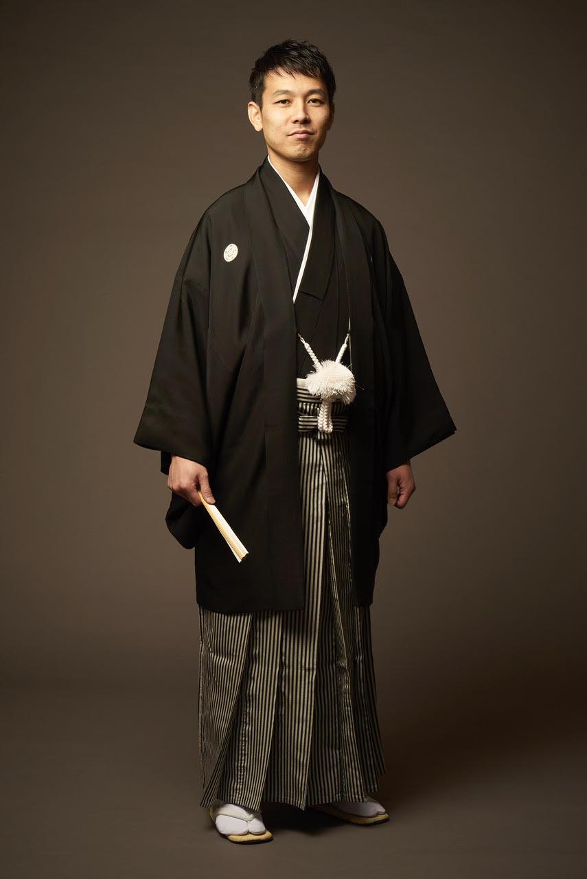 黒五つ紋付き羽織袴