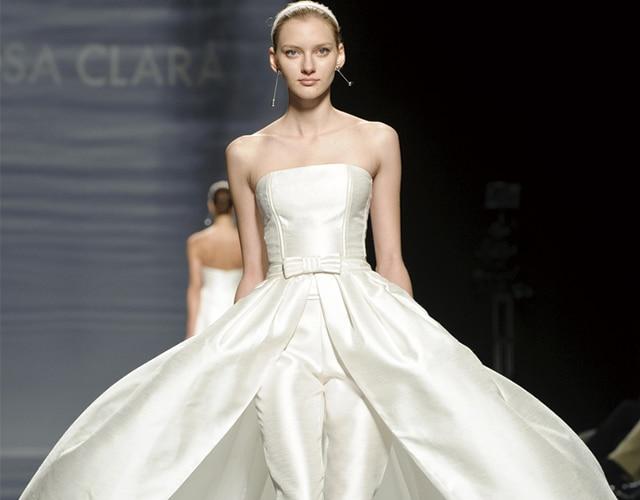 ウエディングドレスをパンツスタイルで♪ スタイリッシュで