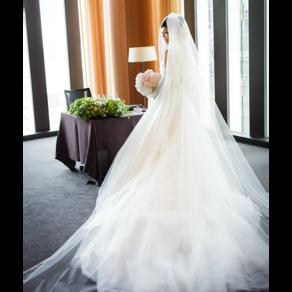 ここでしか着られないアントニオ・リーヴァのウエディングドレスにひと目惚れ