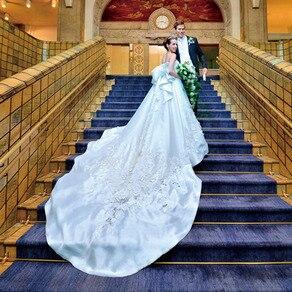 華麗な世界を表現した至玉のアートワークが美しい本物の大人のためのドレス