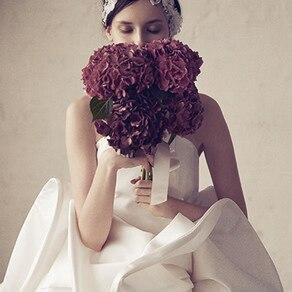 まるでモダンアート! 世界のセレブも恋するアーティスティックなドレス