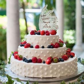 シンプルな正統派ケーキもパティシエのアレンジ技で大人のキュートを演出