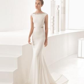 緻密なアートワークが花嫁の美しさを引き立てる憧れのデザイナーズドレス