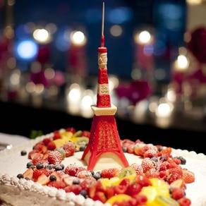 豊かな遊び心と巧みな技術で ゲストの視線を集める 個性的なウエディングケーキ