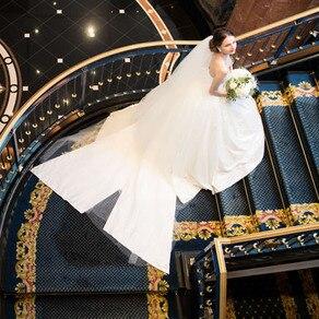 数ある高級ブランドの中でも 別格に位置づけられる ヴァレンティーナのドレス