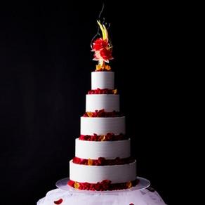 ピエール・エルメ・パリ世界第一号店を持つホテルが贈るアニバーサリーケーキ