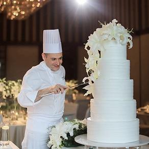 インターナショナル経験が豊かな カリナリーチームが作り出す 料理、ドリンク、ケーキの数々