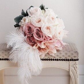 大人花嫁に贈る甘さをぐっとおさえたピンクと白のブーケ