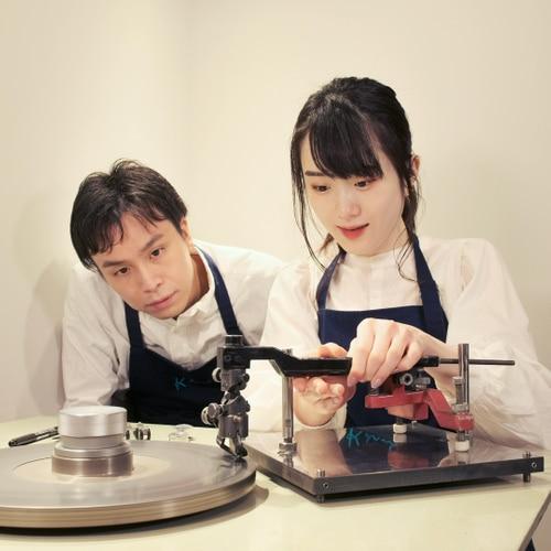「ケイウノ」ジュエリースタジオ新宿店にて、ダイヤモンド原石の研磨体験サービスを開始