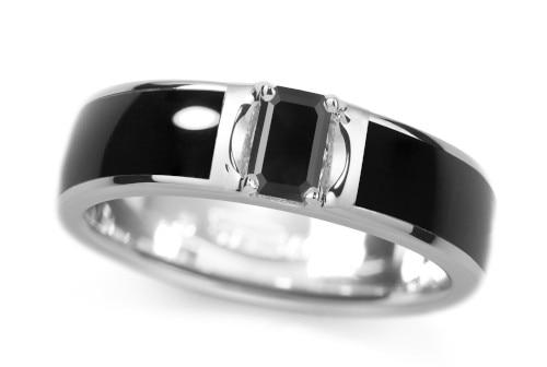 「イング」から、結婚の新しいカタチにも合う黒檀の男性用婚約指輪が発売