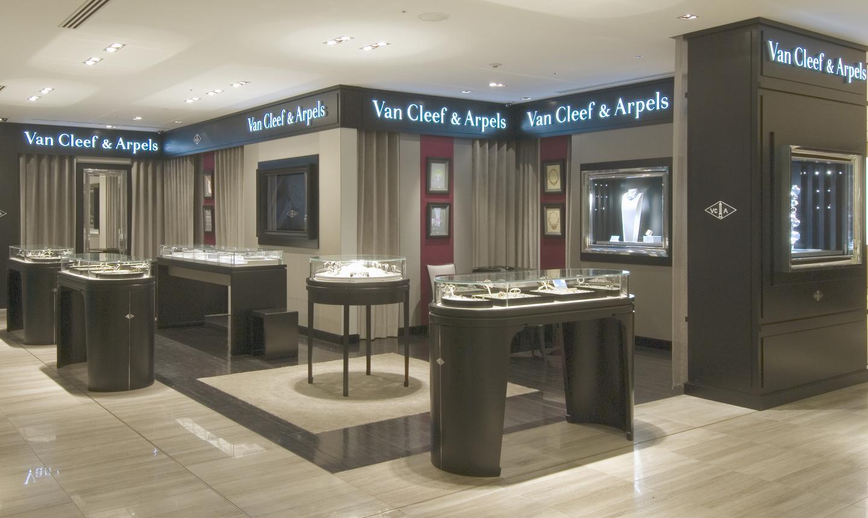 銀座三越店―Van Cleef & Arpels(ヴァン クリーフ&アーペル)