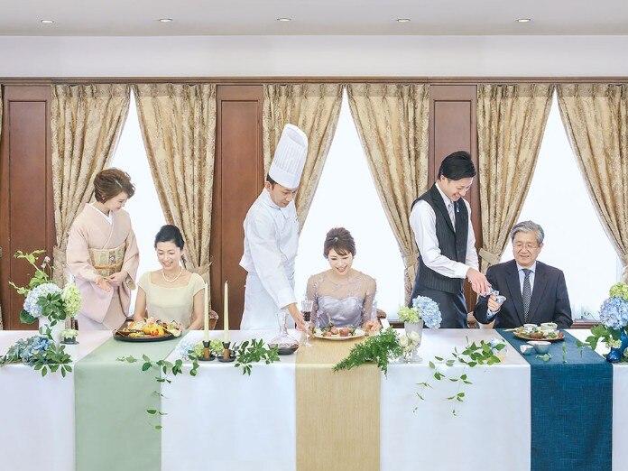 和洋の3コースの婚礼料理から、ゲストが当日のコースを選べる人気のチョイスメニュー<br>【料理・ケーキ】料理