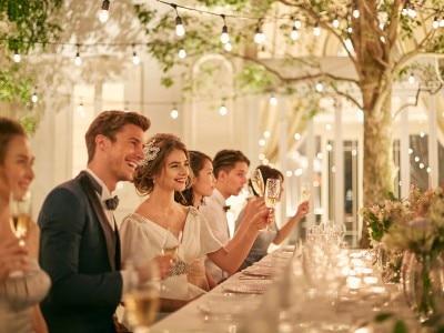 5c204b0fcaa76 ご家族やご親族だけ、親しい友人と少人数でアットホームに結婚式をしたいおふたりにオススメ!挙式スタイルや会食会場もこだわりのスタイルが選べるので、プランナーに  ...