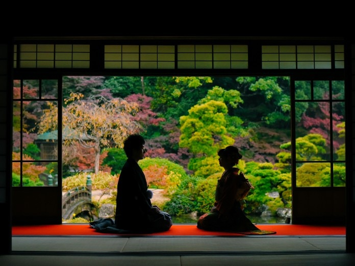 日本庭園での前撮り。一生心に残るお写真を撮ることができます。<br>【ウエディングドレス・和装・その他】<前撮り>チャペルでの撮影やロケーションフォトも